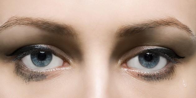meo-giup-eyeliner-lau-troi-ben-mau-11