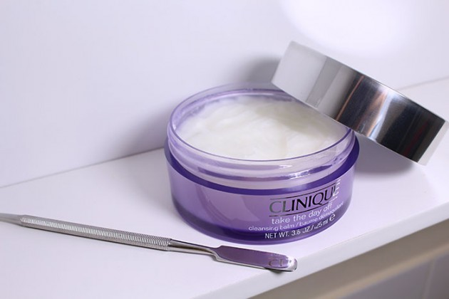 clinique-take-the-day-off-cleansing-balm-1