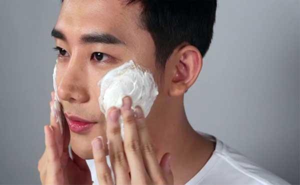 Thiet-ke-skincare-routine-cho-chong-nguoi-yeu-tu-nhung-san-pham-quen-thuoc-4